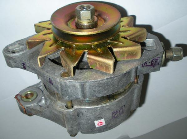 Автомобильный генератор Г-221